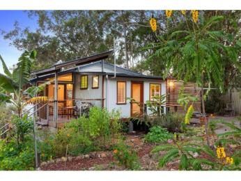 View profile: Queenslander Home, Cottage and Studio on Peaceful Acreage