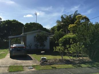 View profile: Close to Tewantin Ferry, schools, transport, medical and Tewantin CBD